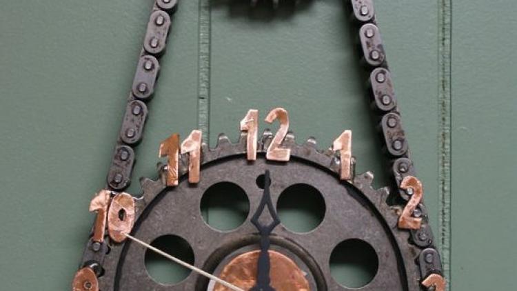 Ferro velho na decoração? Aposte nessa ideia.